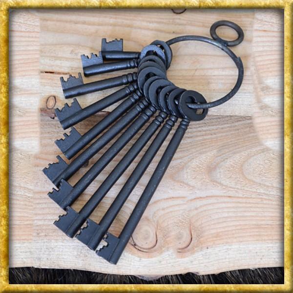 Rustikaler Schlüsselbund mit 10 Schlüsseln