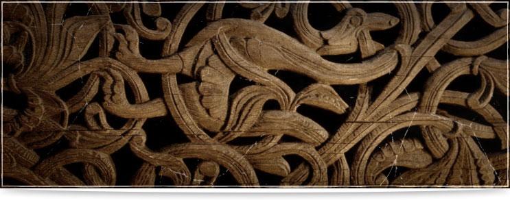 Drachenhort | Germanisches Schnitzwerk aus Holz