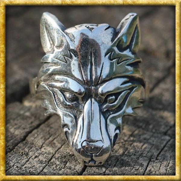Ring mit Wolfskopf aus Silber
