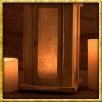 Holzlaterne mit Rohhautfenstern
