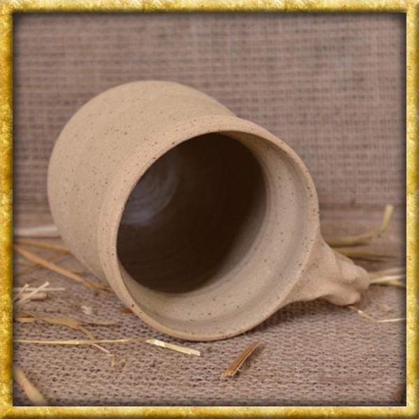 Mittelalterlicher Henkelbecher aus Ton - 0,5l