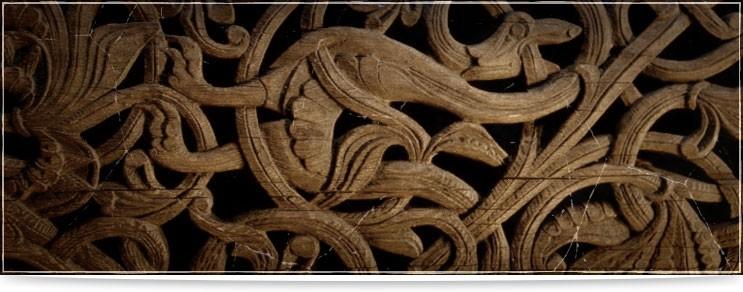 Keltisches Schnitzwerk aus Holz | Drachenhort